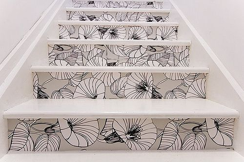 Wallpaper stairs (found on picnicsunderthemoon.com)